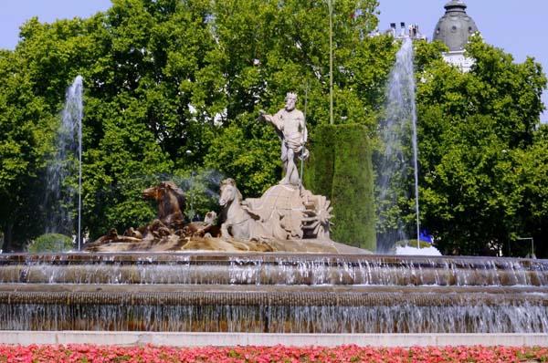 Fuente de Neptuno en la Plaza de Cánovas del Castillo