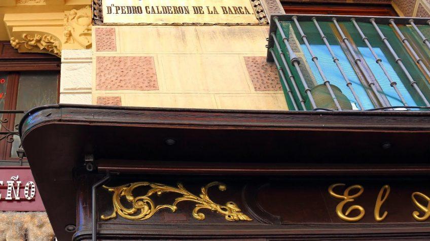 Placa Calderon de la Barca en Calle Mayor, 61.